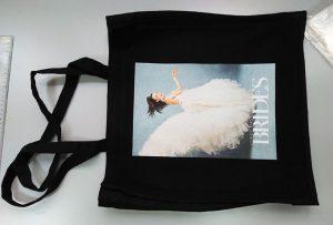 Crna uzorak vrećica iz UK kupca je tiskan od strane dtg tekstilnog pisača